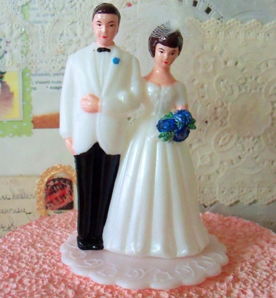 old fashioned bride and groom cake topper