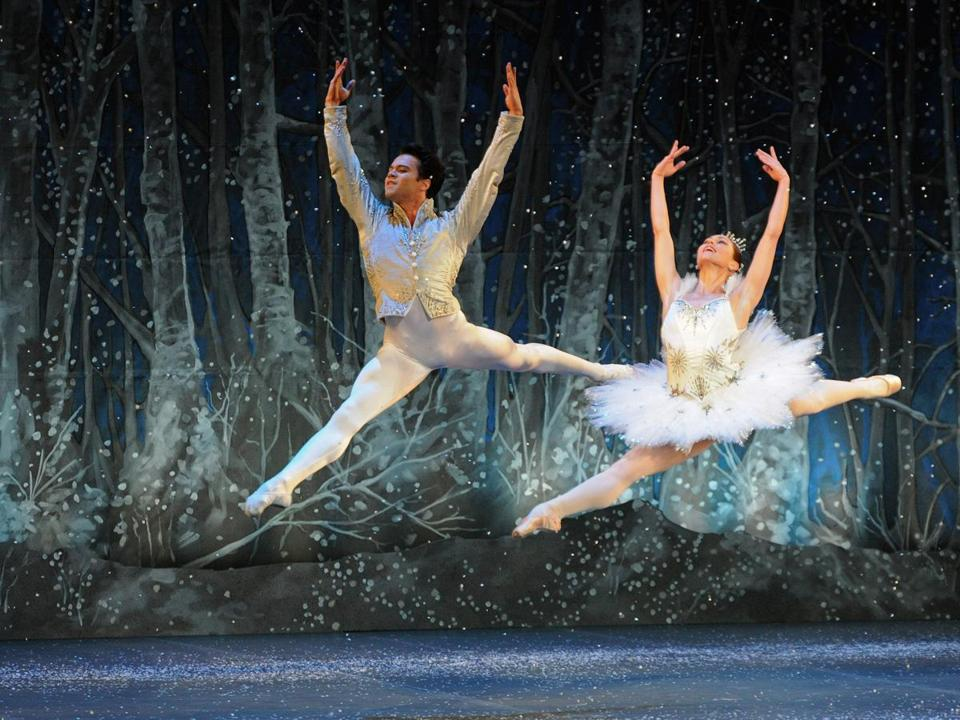 Boston Ballet's Paulo Arrais and Kathleen Breen Combes. The Nutcracker!